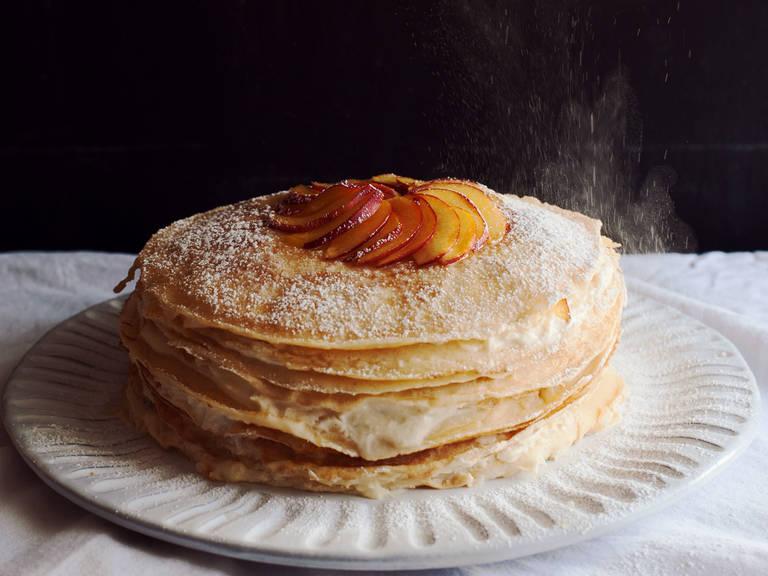 Nektarinen-Ingwer-Crêpe-Torte