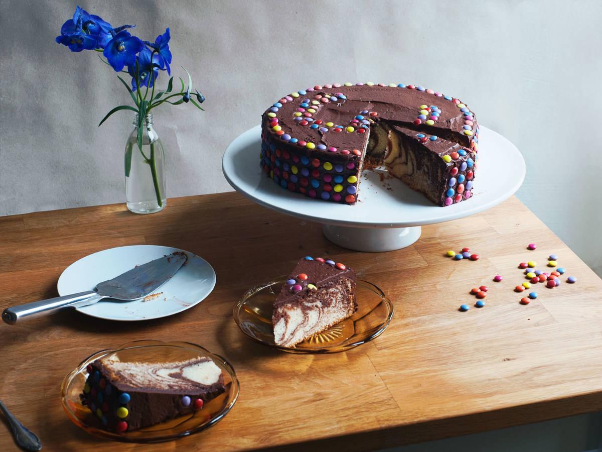 Leckerer Smarties Kuchen Einfaches Rezept Kitchen Stories