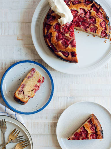 烤草莓蛋糕