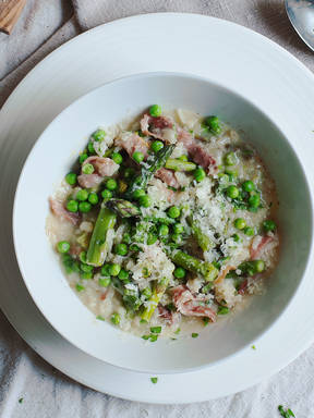 Asparagus risotto with peas and prosciutto