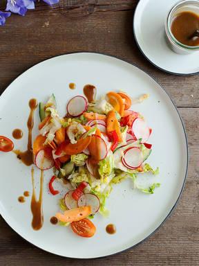 Mixed salad with balsamic honey mustard dressing