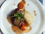 牛肉卷配酸菜