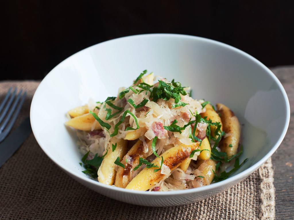 酸菜土豆饺子