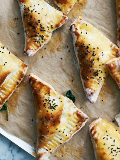 菠菜奶酪三角包