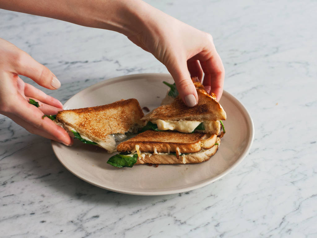 Knuspriges Käsesandwich