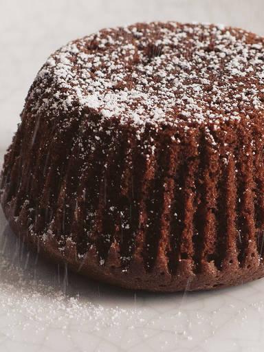 焦糖巧克力酱熔岩蛋糕