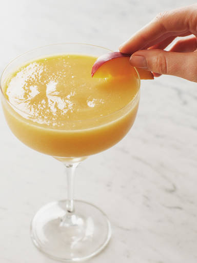 Peach-pineapple wine slushie
