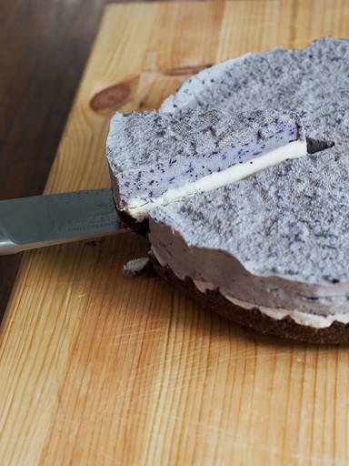 Raw Blaubeer Cheesecake