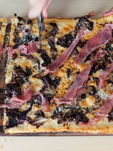 Parmaschinken-Radicchio-Flatbread