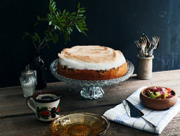 蛋白霜大黄蛋糕