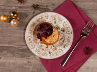 Stuffed baked apples with red onion chutney