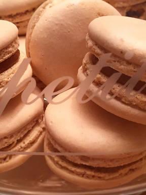 Butter caramel macarons