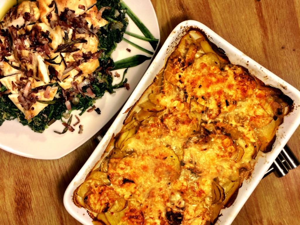 Chicken breast with spinach and quick potato gratin