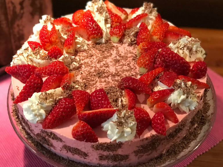 Chocolate-strawberry-quark cake