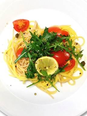 Glutenfreie Spaghetti mit Tomaten und Rucola