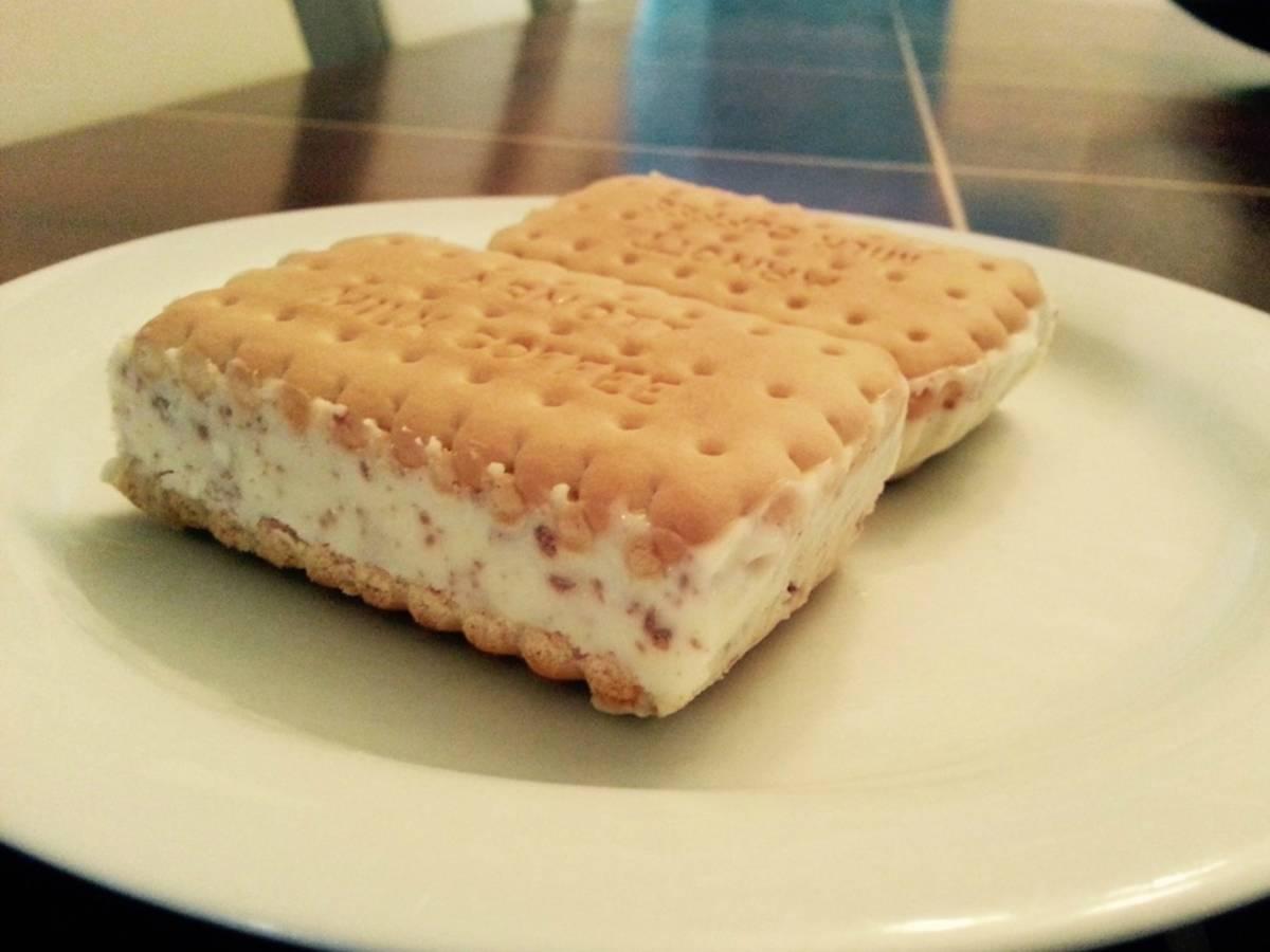 Stracciatella ice cream sandwiches