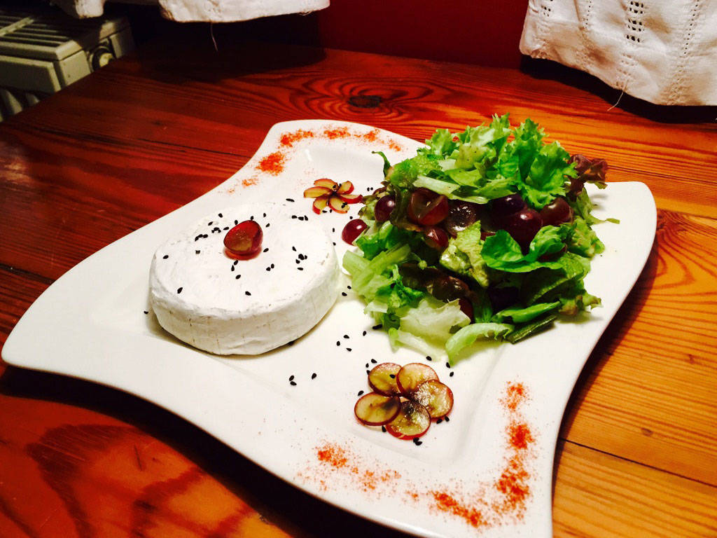 Lollo Rosso salad with grilled Camembert