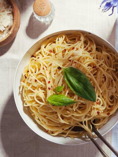传统蒜香橄榄油意面