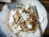 Pasta with mushrooms and truffle oil