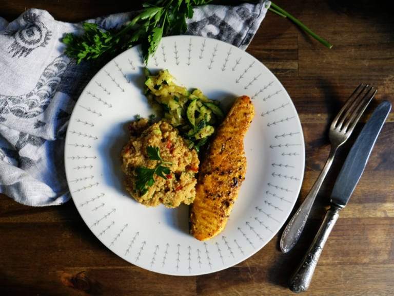 Salmon with couscous and zucchini