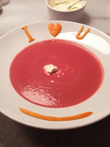 红甜菜橙子汤