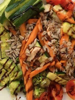 Reis mit Süßkartoffel, Gemüse und Pilzen