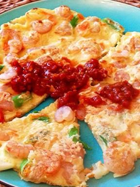 Pfannkuchen mit Garnelen und Chilisauce