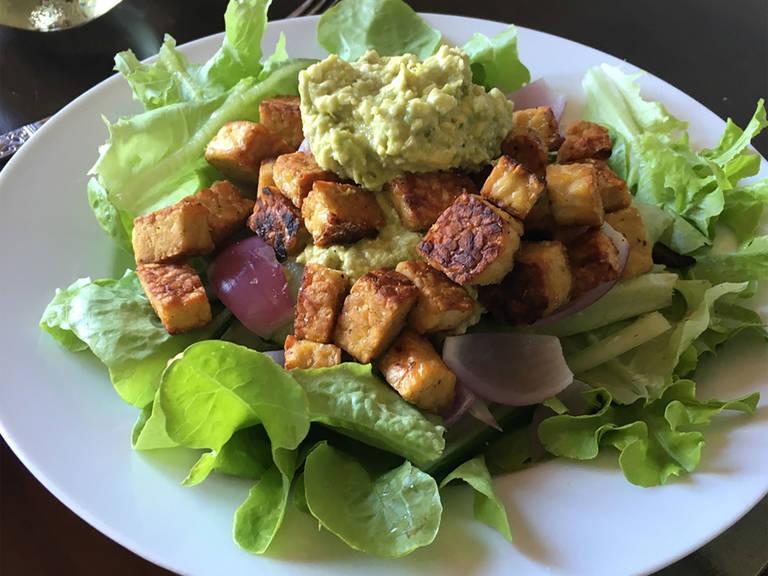 Simple tempeh salad