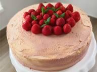 草莓力娇酒蛋糕