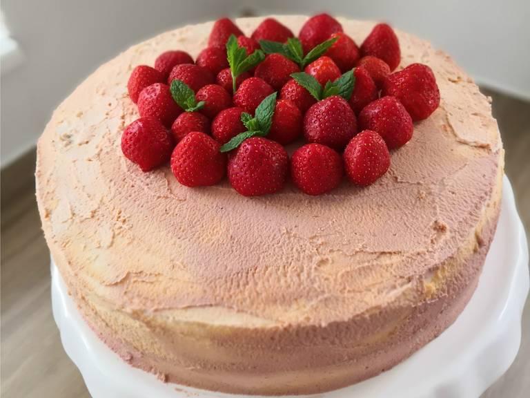 Erdbeer-Pimm's-Torte