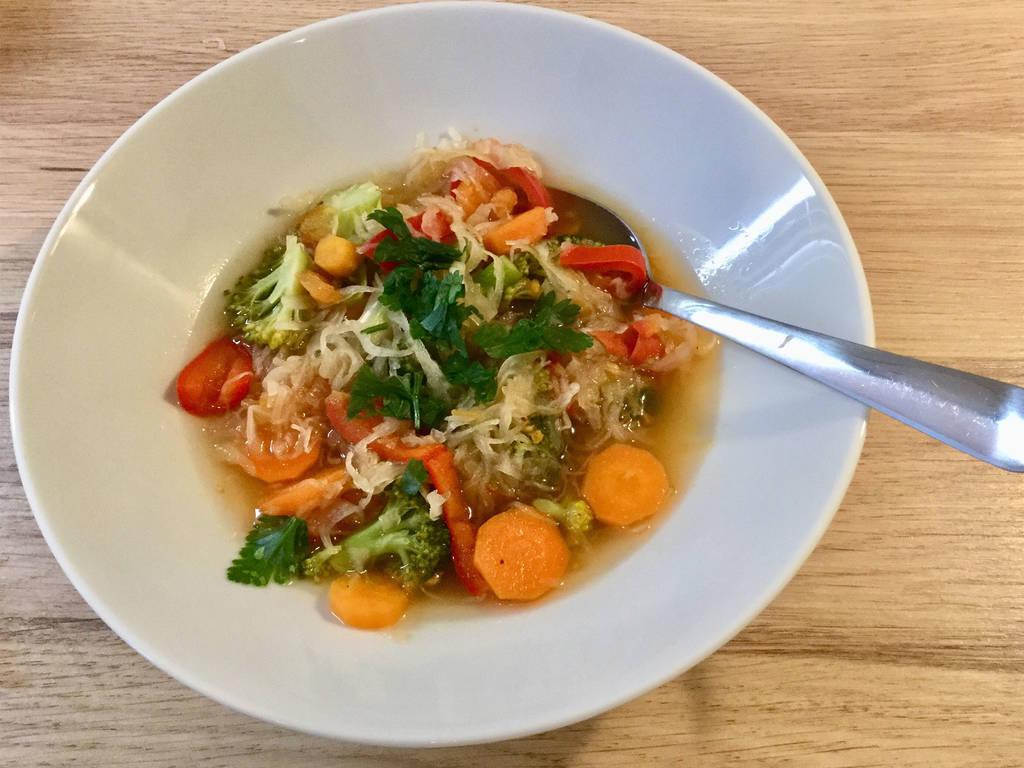 Winterliche Sauerkrautsuppe