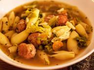 Savoy cabbage and pasta stew