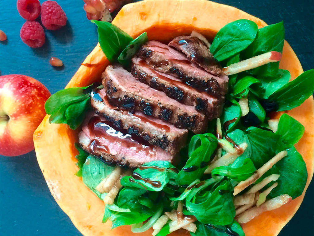 Lamb's lettuce with Worcester duck and pomegranate