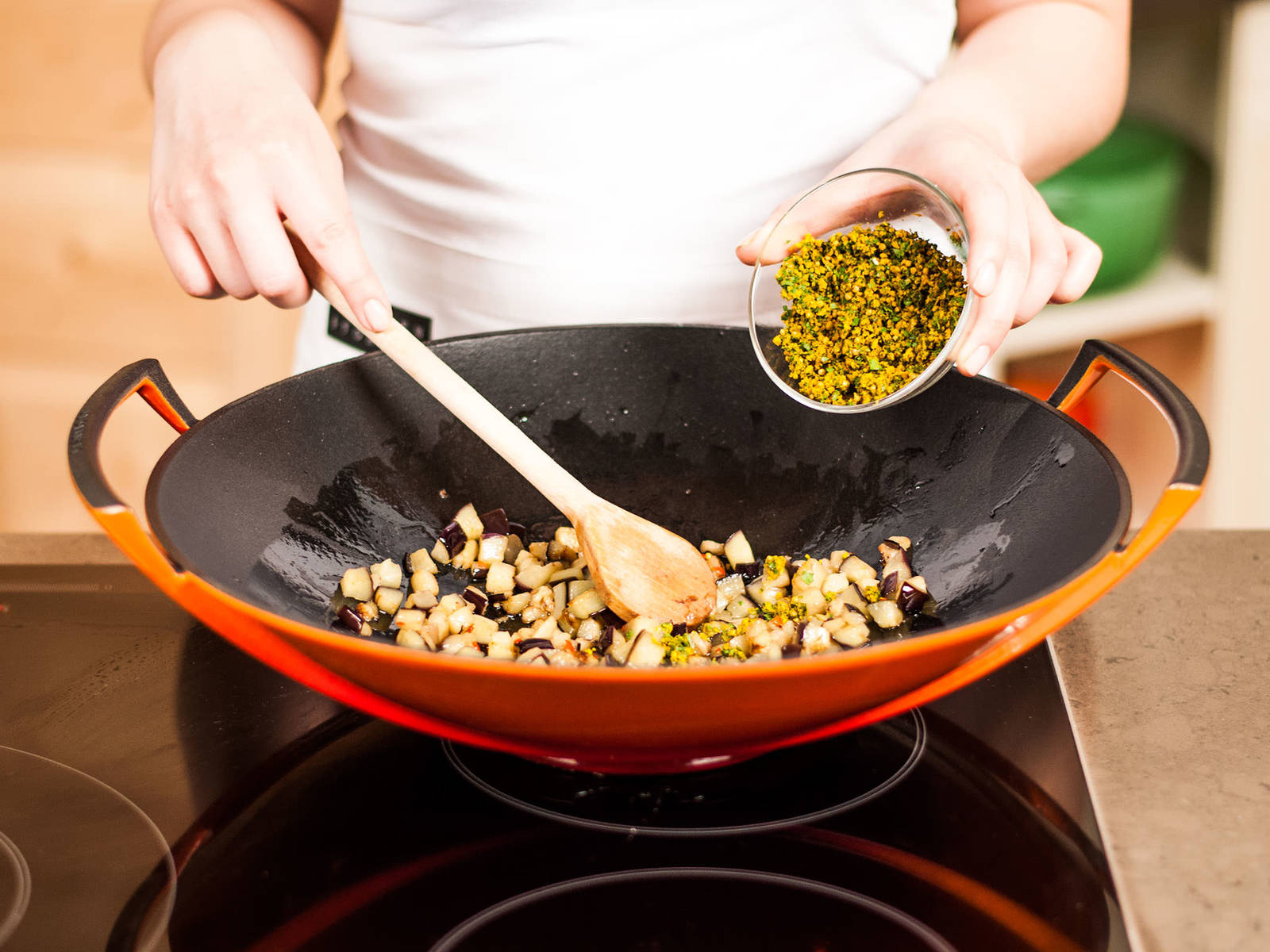 Add prepared curry paste and fry for approx. 2 – 3 min. to build intense flavor.