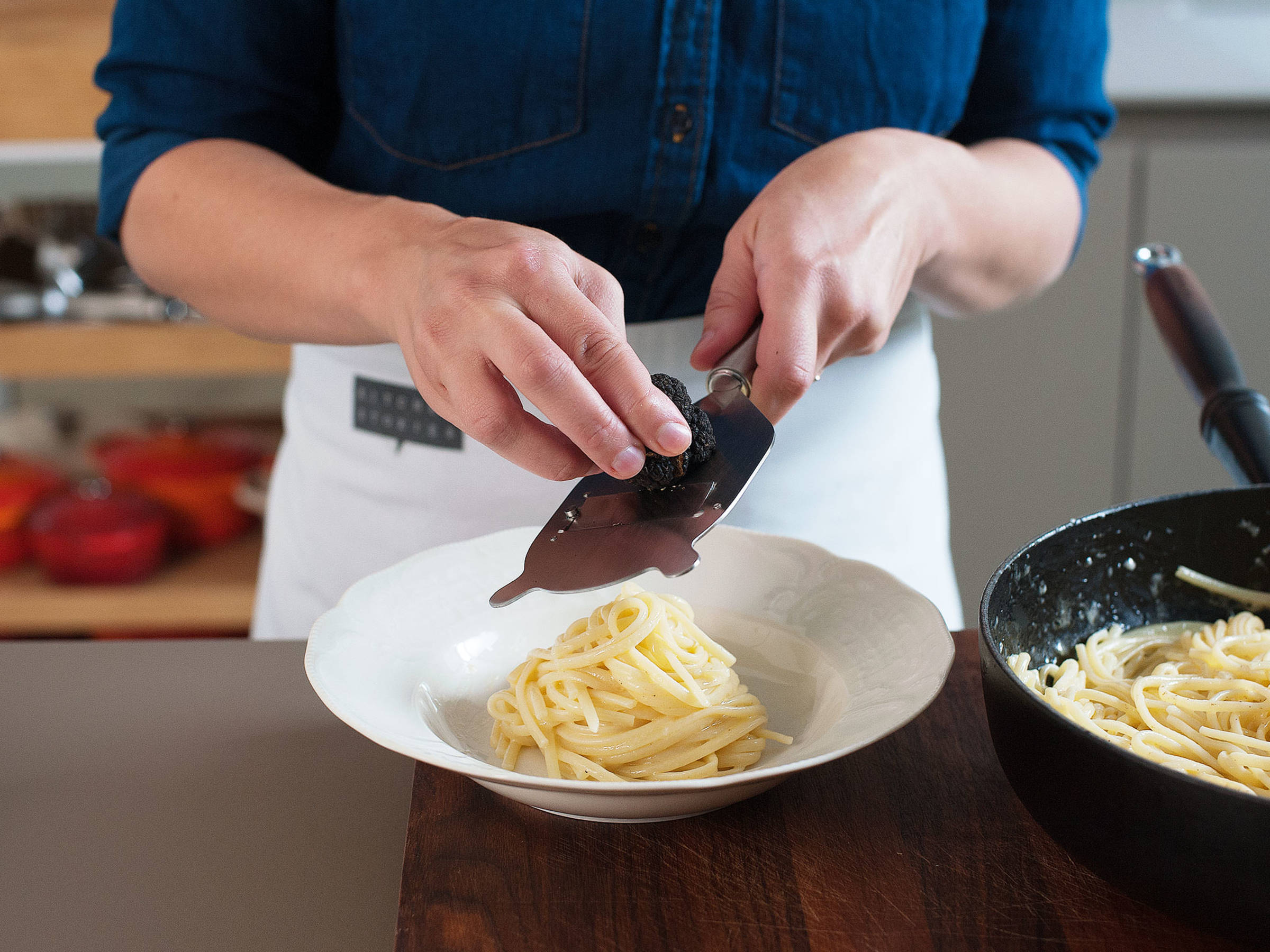 Simple pasta with fresh black truffle - Recipes - Kitchen Stories