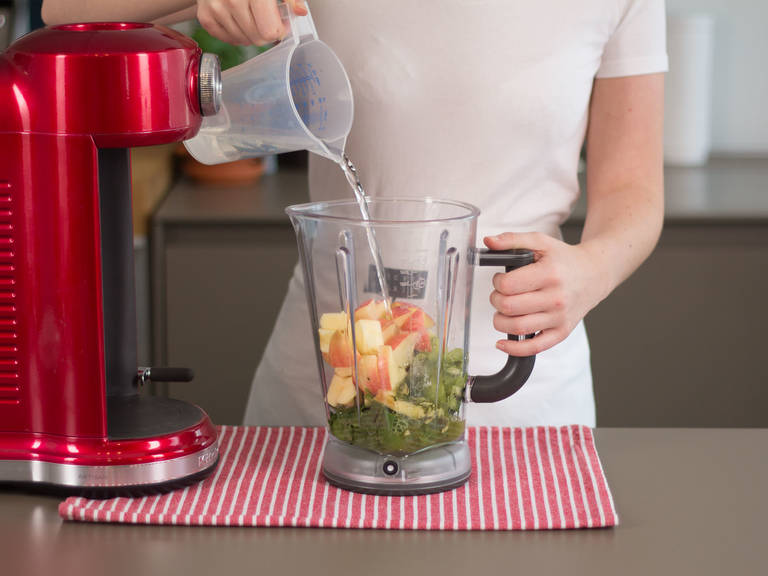 Add apple, kiwi, spinach, agave nectar, mint, matcha powder, and water to blender. Blend for approx. 1 – 2 min. until smooth. Enjoy!