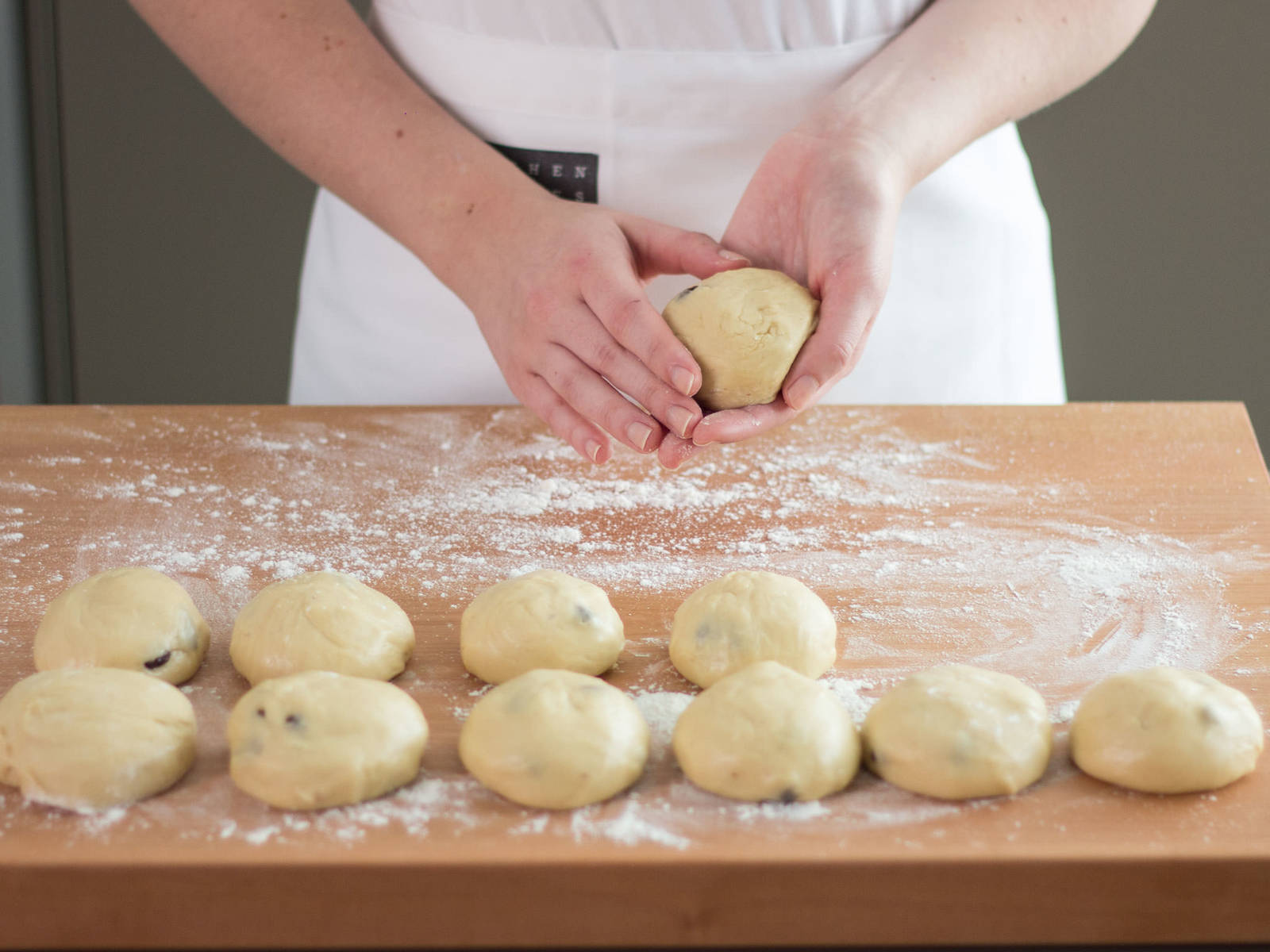 Turn out dough onto a floured work surface and form into individual rounds, approx. the size of dinner rolls. Transfer to a lined baking sheet and let rest for approx. another 30 min.