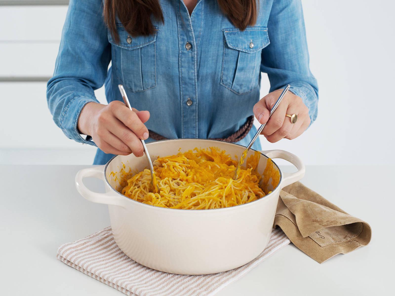 Creamy pumpkin pasta with sage | Recipe with Video | Kitchen Stories