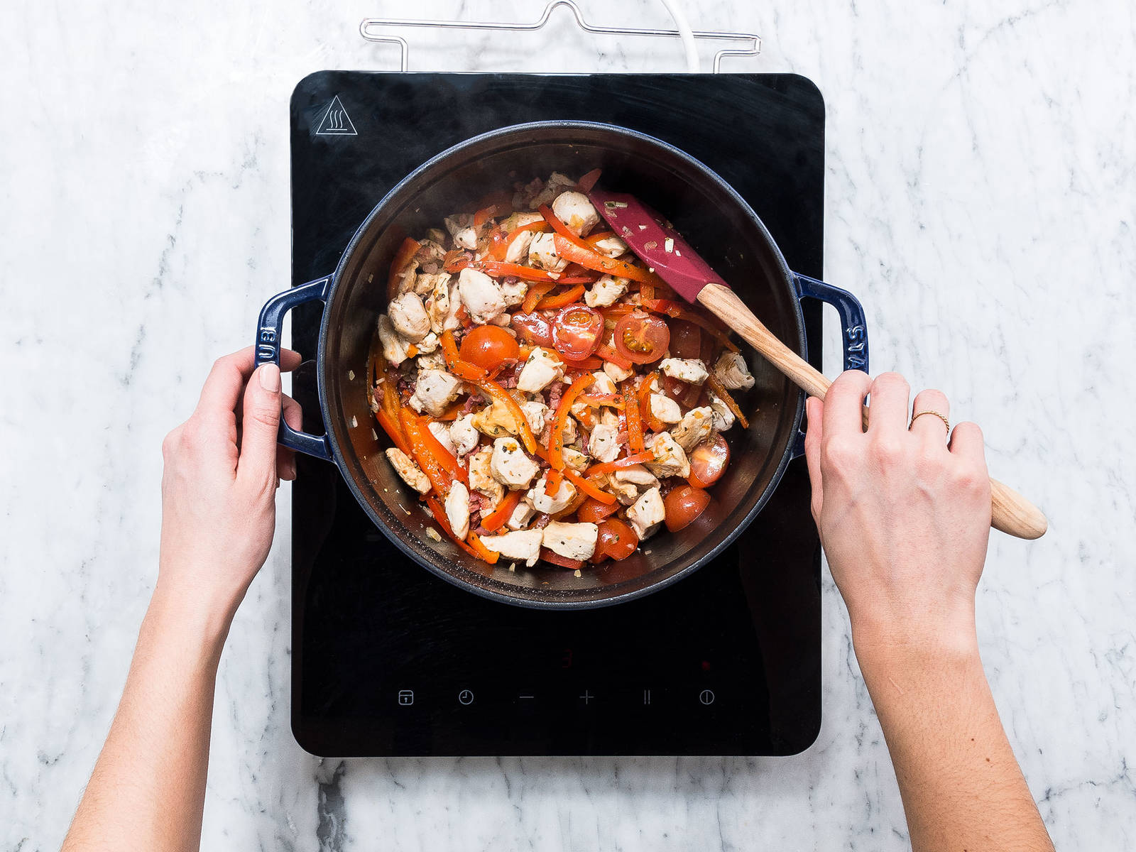one pot paprika pasta mit h hnchen rezept mit video kitchen stories. Black Bedroom Furniture Sets. Home Design Ideas