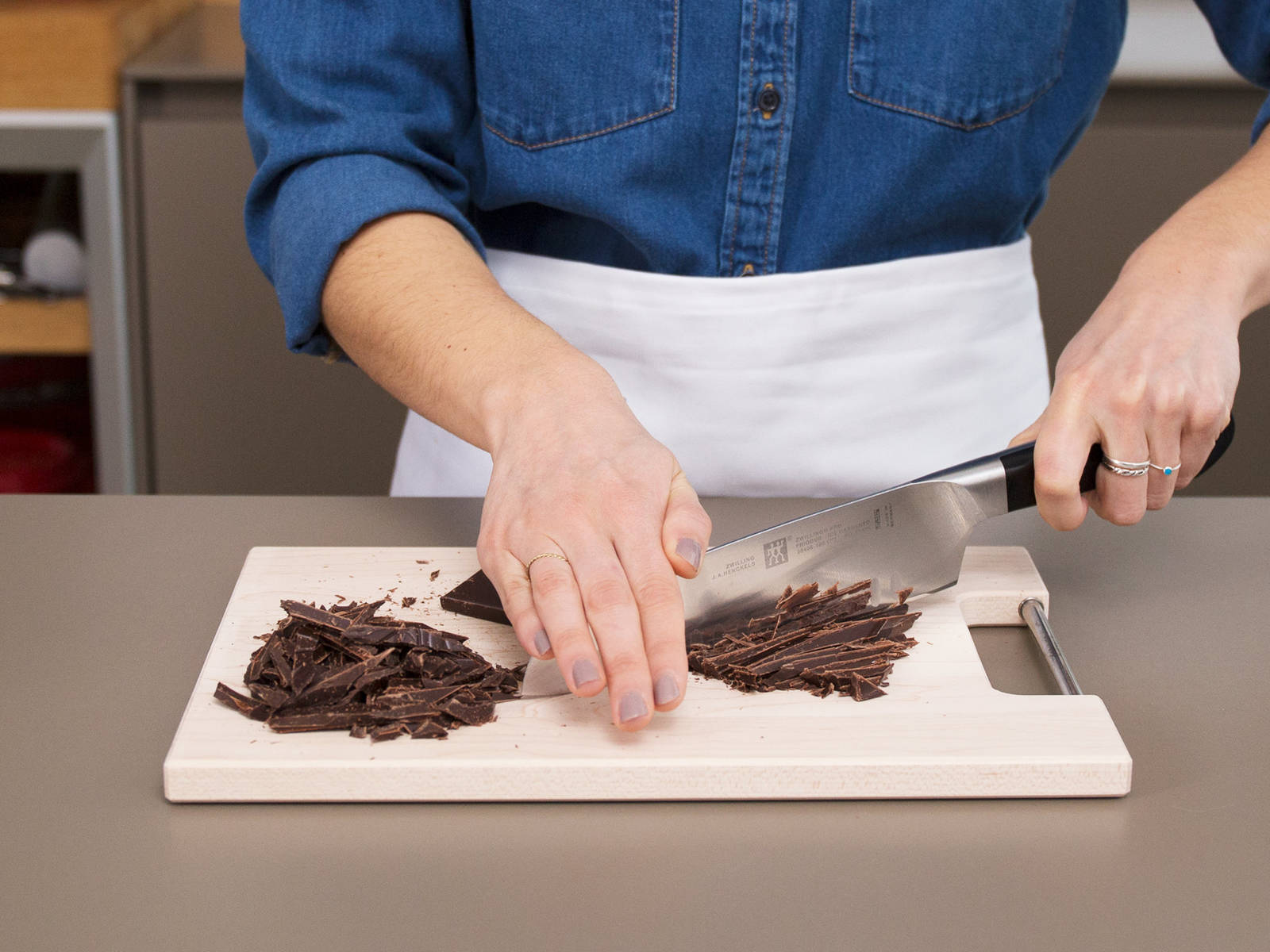 Set a heatproof bowl over a pot of simmering water. Chop the chocolate and add to the bowl. Once mostly melted, whisk in heavy cream and honey. Whisk until completely melted, remove from heat, and cover to keep warm.
