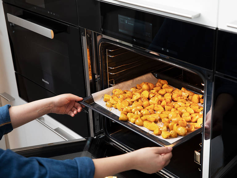 Distribute potatoes onto a parchment-lined baking sheet and roast for approx. 20 – 30 min. at 200°C/400°F, or until crispy and golden brown. Flip potatoes after 10 – 15 min.