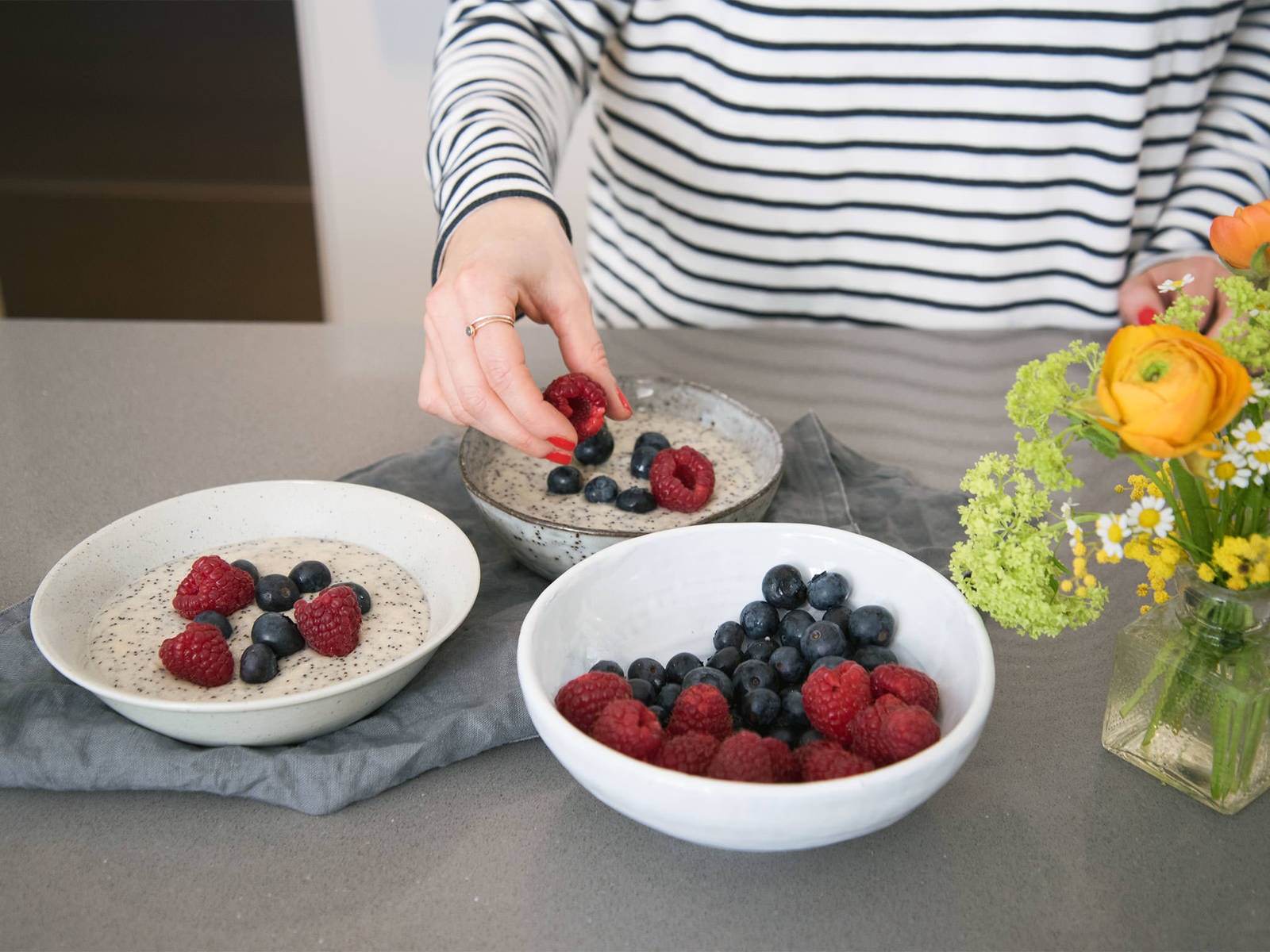 While still hot, transfer porridge to serving bowls and let sit for approx. 5 – 10 min. Garnish with berries and top with more maple syrup, if desired. Enjoy!