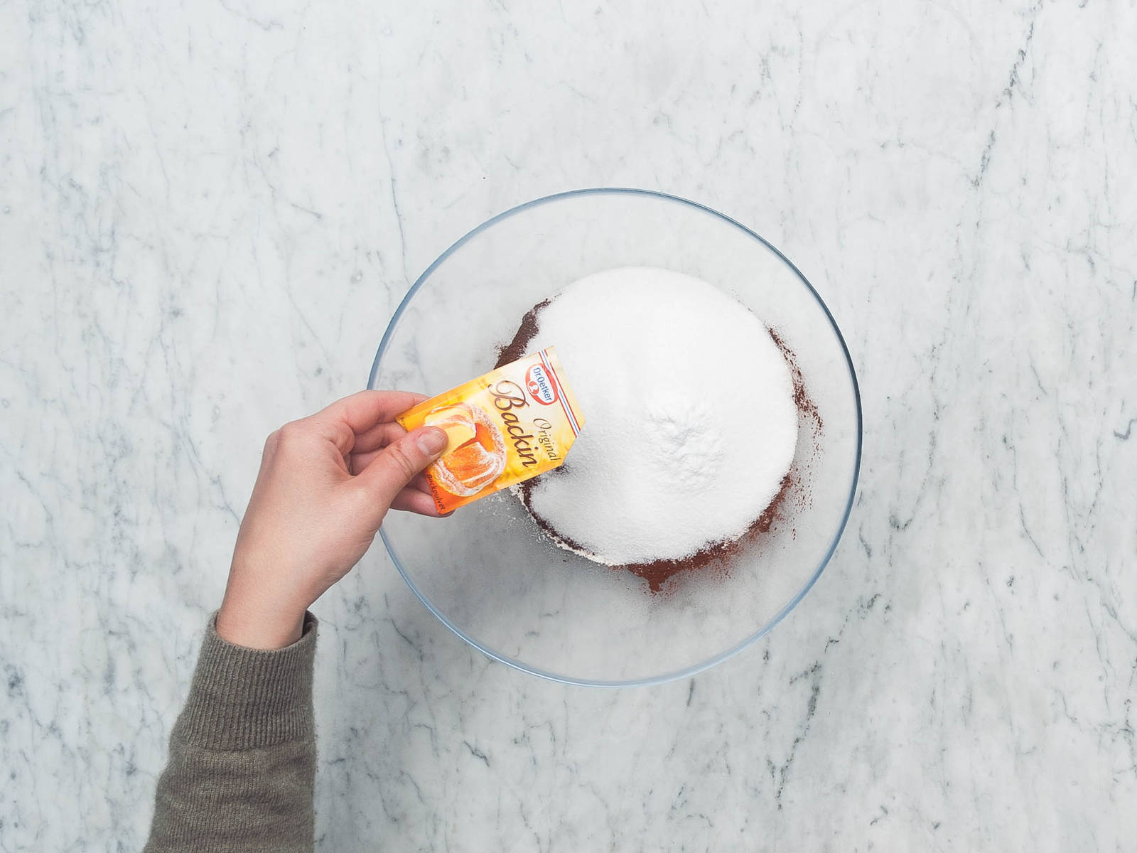 Naked cake mit frischen erdbeeren rezepte kitchen stories - Eier kochen ohne anstechen ...