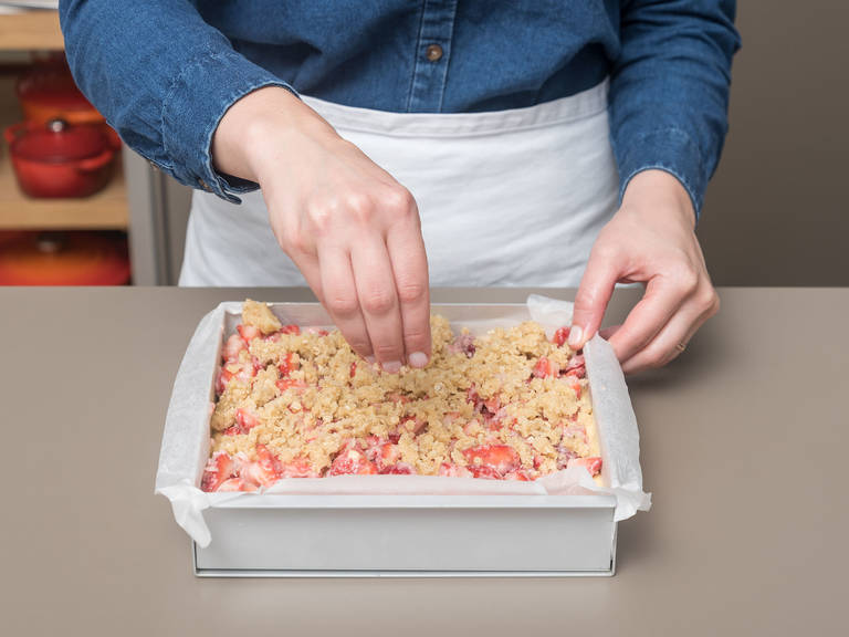 Transfer batter to prepared pan, spread strawberry mixture over it, then top with crumb topping. Bake for approx. 50 min., or until golden and a toothpick inserted in the center comes out clean. Let cool completely before slicing. Enjoy!