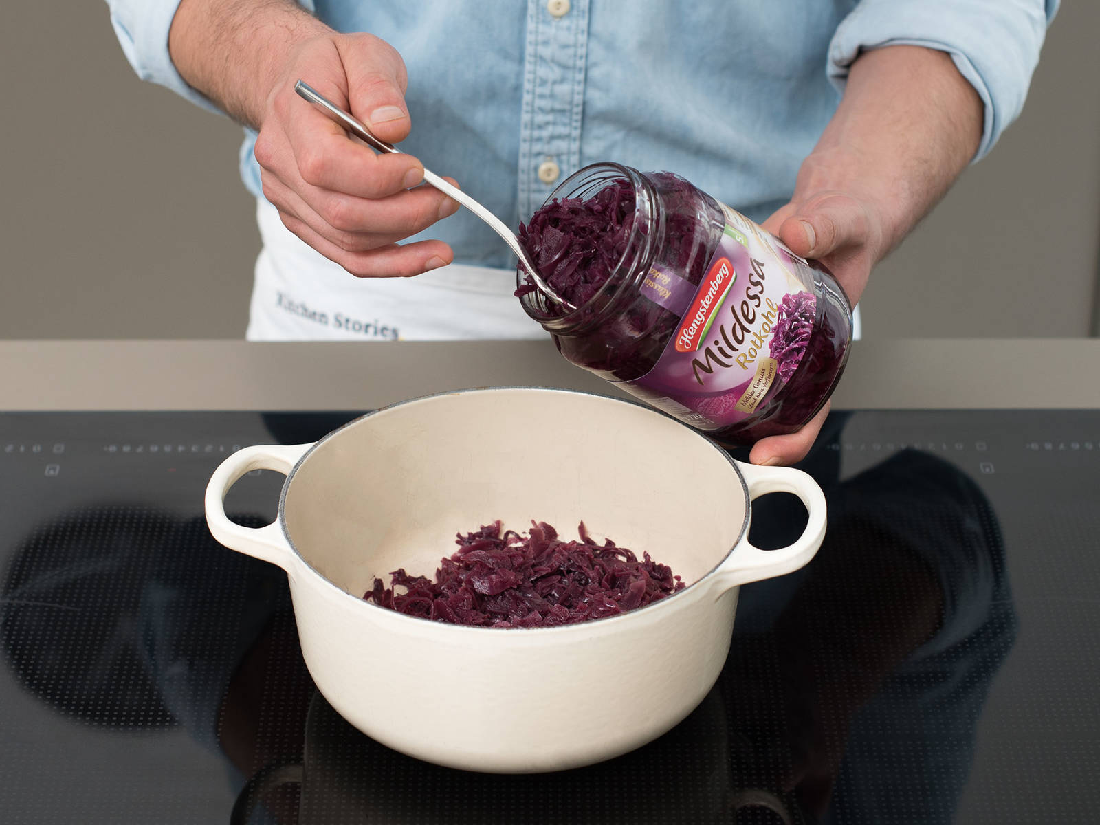 Add red cabbage to a large saucepan and season with juniper berries, cloves, and bay leaves. Warm over medium heat for approx. 8 – 10 min., then keep warm over low heat until serving.