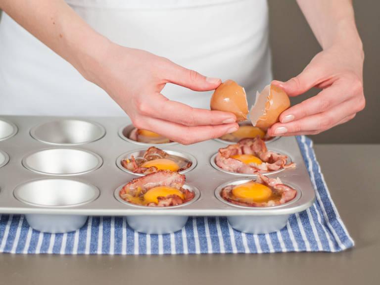 Nun je ein Ei darüber aufschlagen. Im Backofen ca. 8 – 10 Min. bei 180°C backen. Genießen!