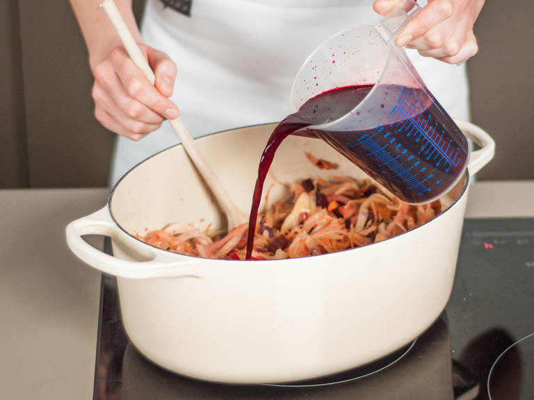 Deglaze pan with beet juice and allow to reduce for approx. 15 - 20 min.