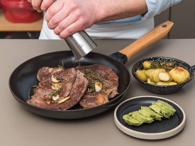 Basilikumbutter aus dem Kühlschrank nehmen und in Scheiben schneiden. Steaks aus dem Ofen nehmen und mit Salz und Pfeffer abschmecken. Mit Basilikumbutter servieren und mit Bratkartoffeln genießen!