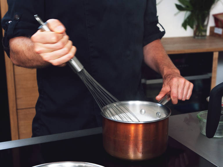 Add agar-agar mixture to saucepan and whisk to incorporate; bring to a boil for approx. 1 – 2 min.