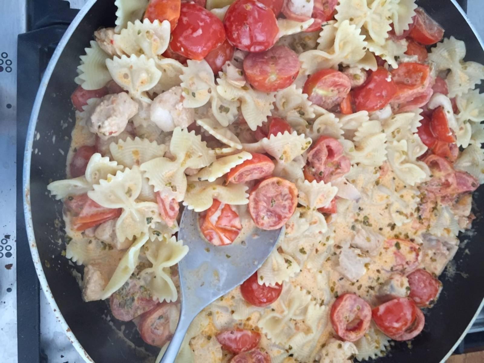 Add pasta and serve.